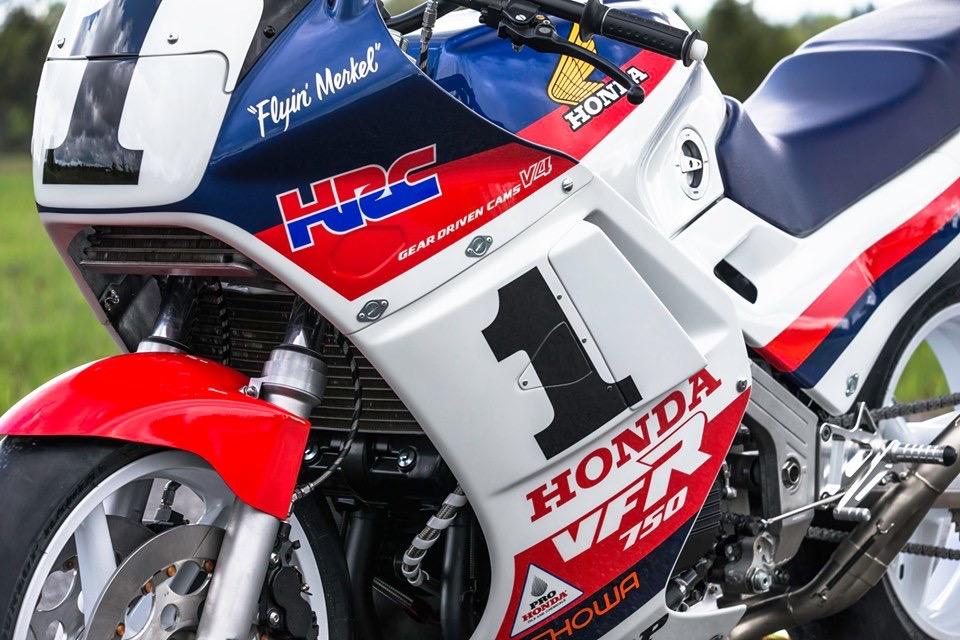 Honda VFR 750 & 800 - Page 3 018de310