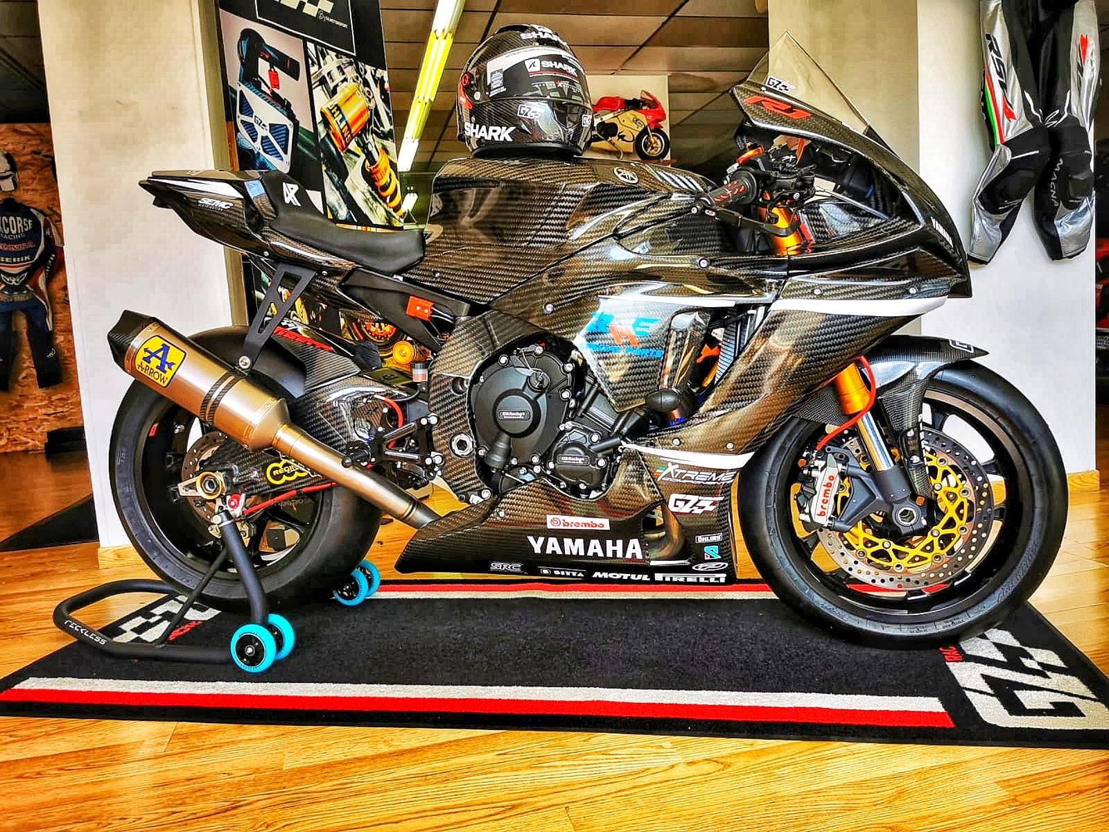 Yamaha R1 et R1M  Crossplane 2015 ( sujet numero3 ) - Page 12 11815910