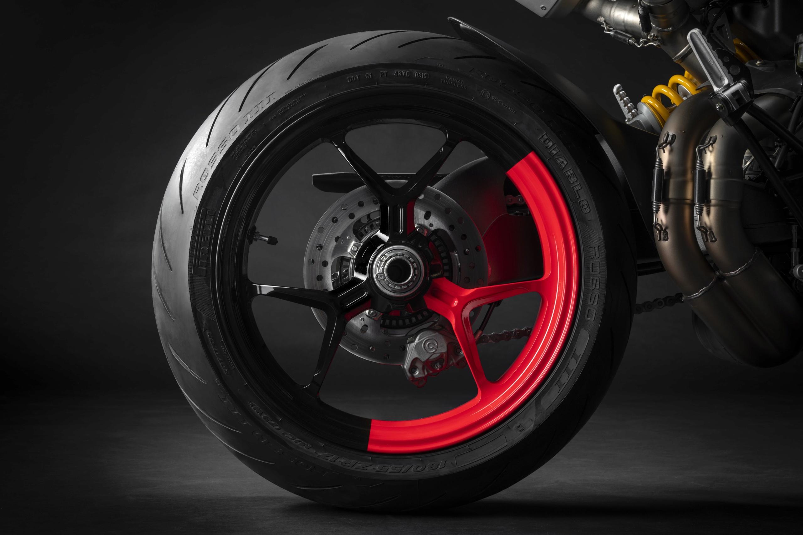 Ducati Hypermotard 950 RVE  12_duc10