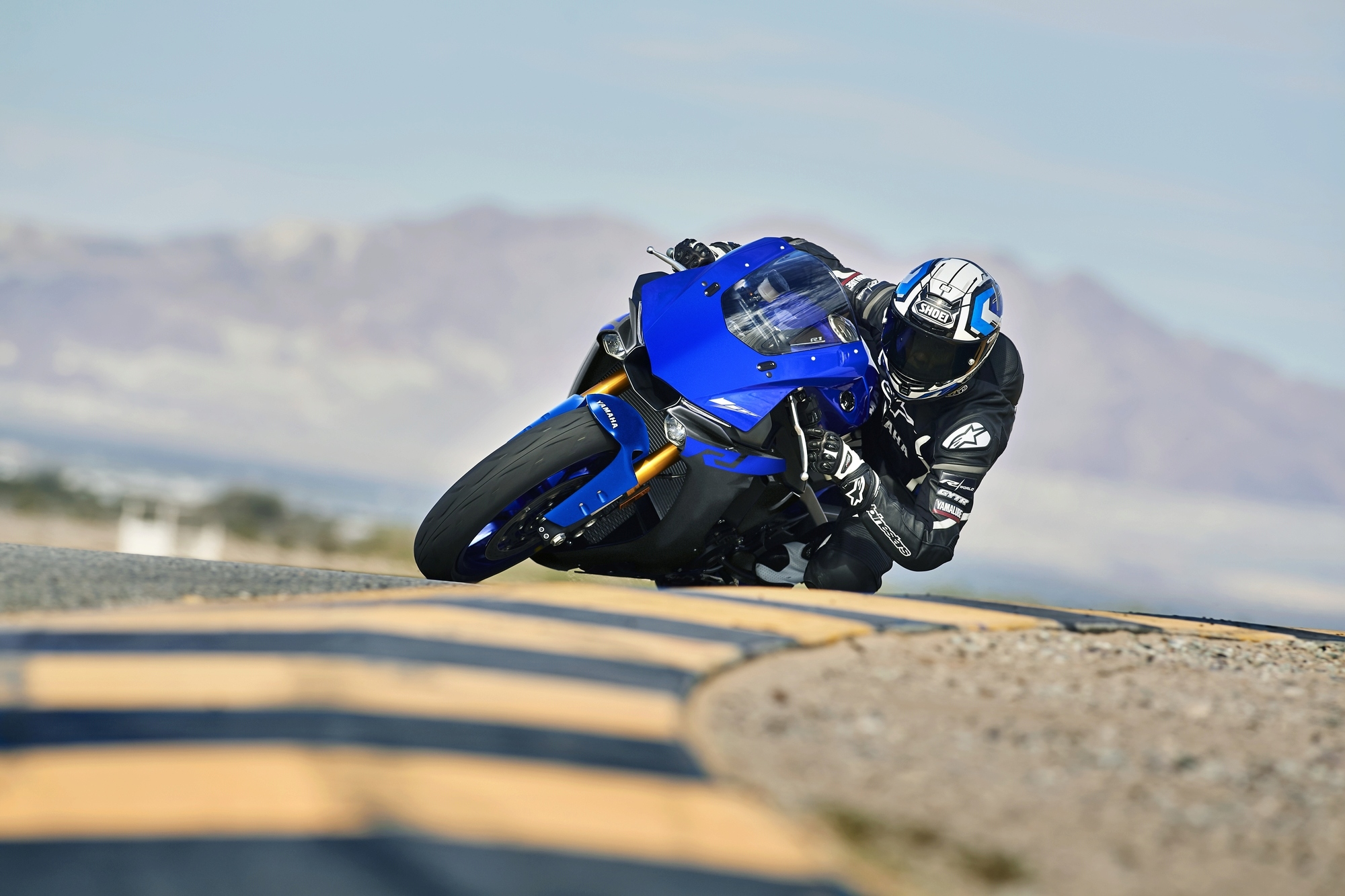 Yamaha R1 et R1M  Crossplane 2015 ( sujet numero3 ) - Page 11 2019-y10