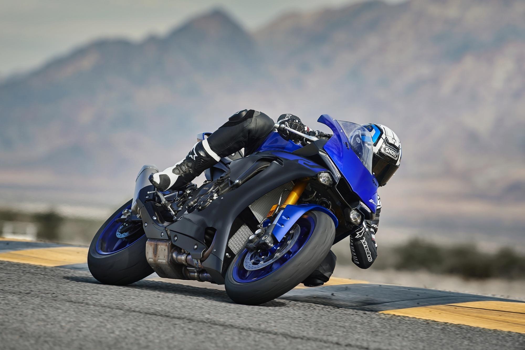 Yamaha R1 et R1M  Crossplane 2015 ( sujet numero3 ) - Page 11 2019-y12