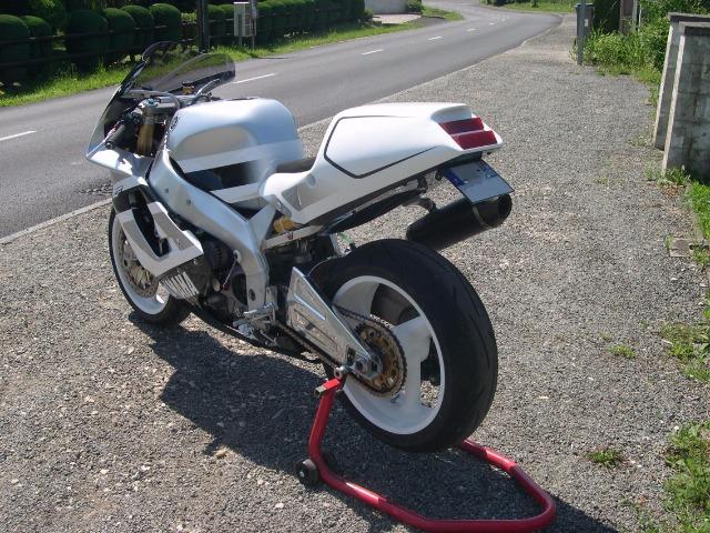 Yamaha 750 YZF  - Page 2 29efmk10