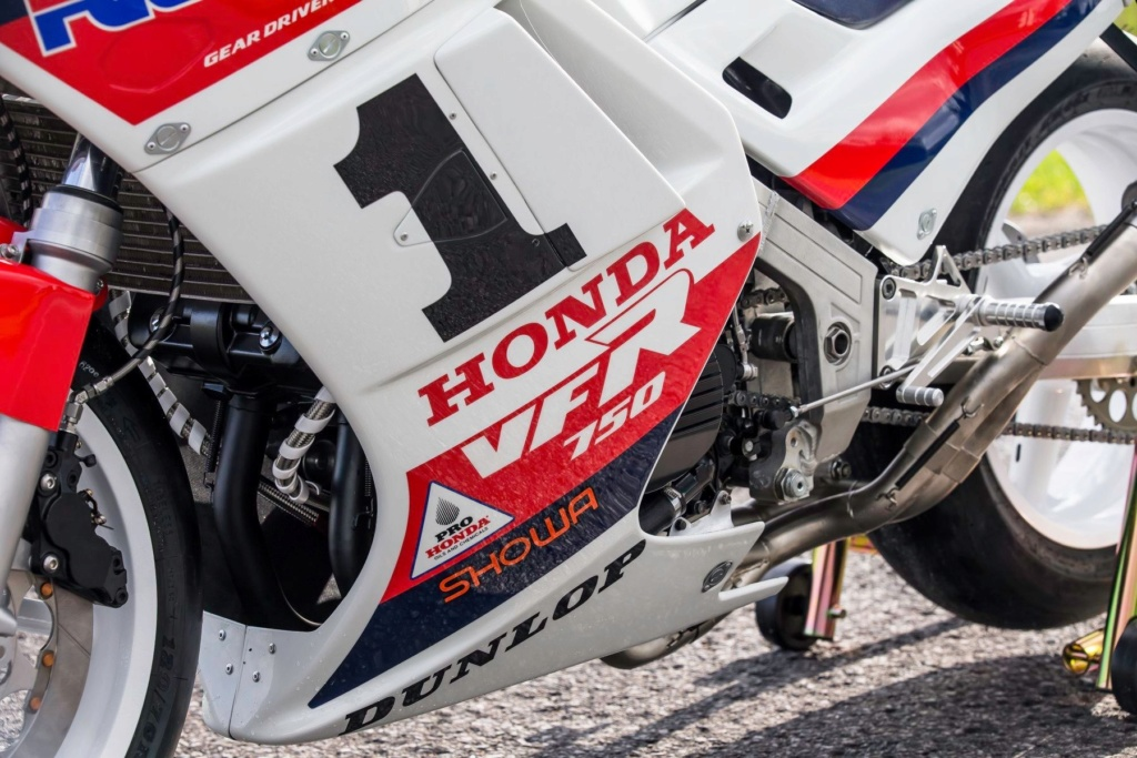 Honda VFR 750 & 800 - Page 3 54f6f910
