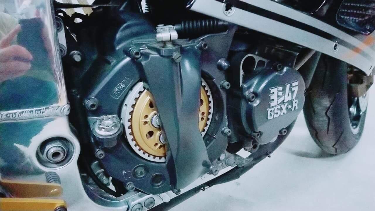 Suzuki GSX-R Slingshot 750 (88-91) et 1100 (89-92) - Page 30 56ac7310