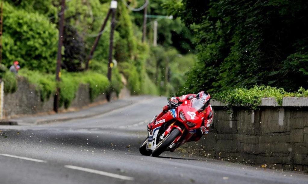 Road Races, TT et courses sur route  - Page 30 6319ac10