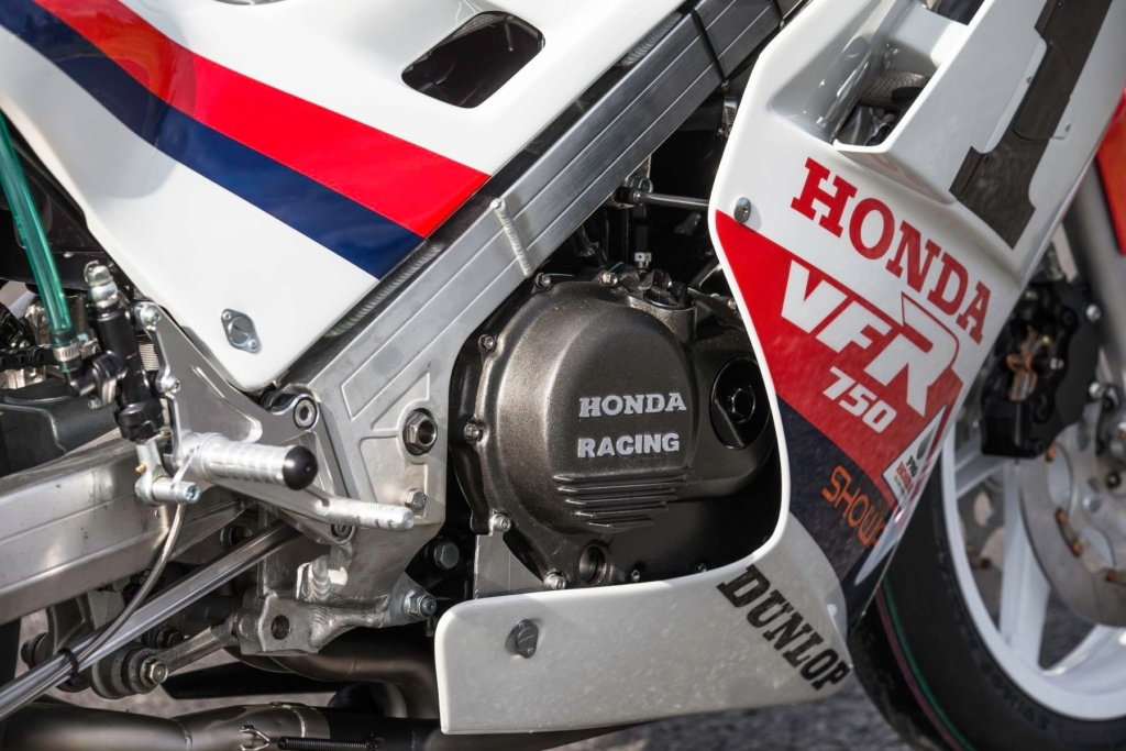 Honda VFR 750 & 800 - Page 3 7a92ae10