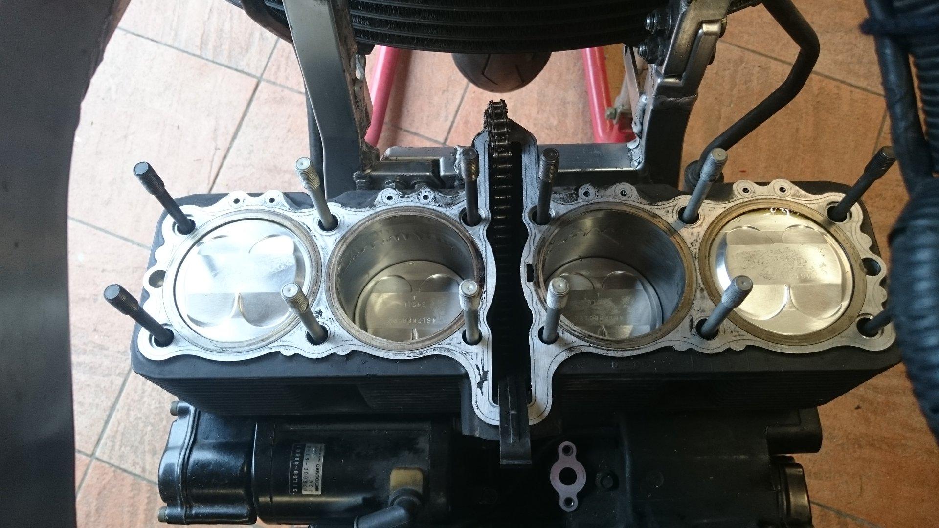 Vends 4 pistons Wiséco 1216 neuf avec cylindres réalésés par pro 94774510