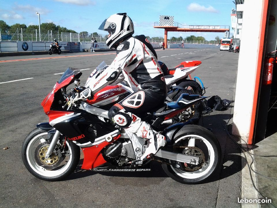 SV 650 Rider Club. Suzuki 650 sv, carbu et injection  - Page 25 Aa28d410