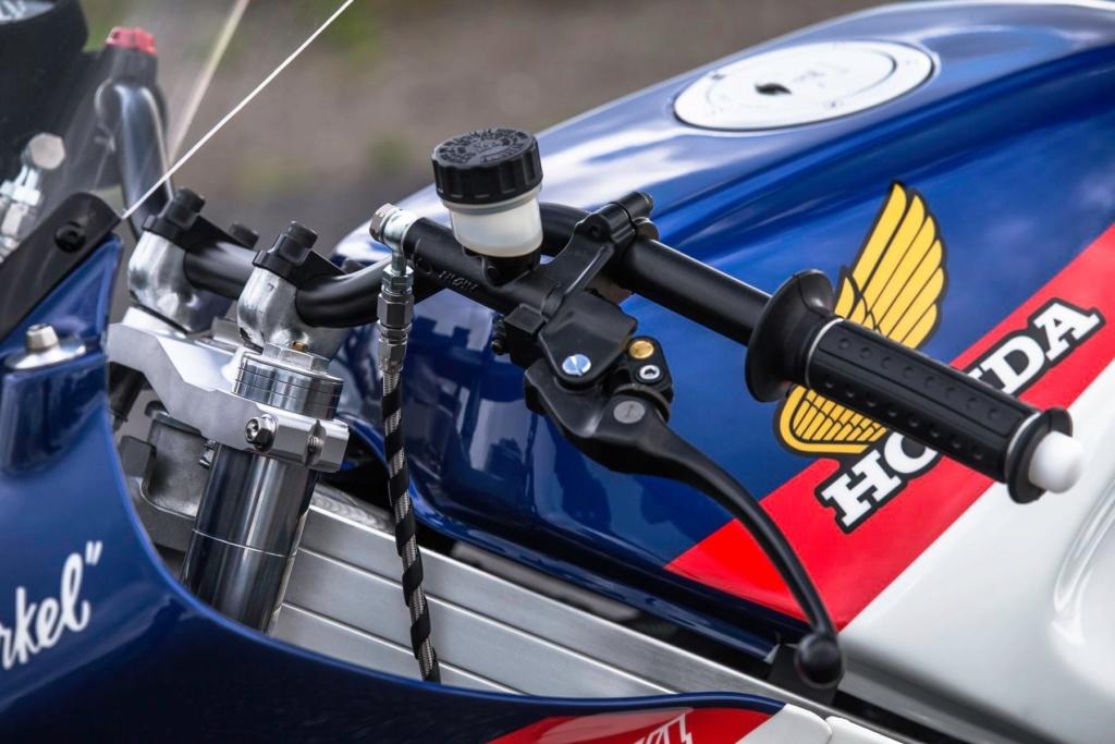 Honda VFR 750 & 800 - Page 3 C80b7510