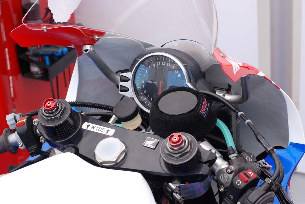 Honda CBR 1000 RR 2008-2011 <SC59> - Page 21 Cbr10015
