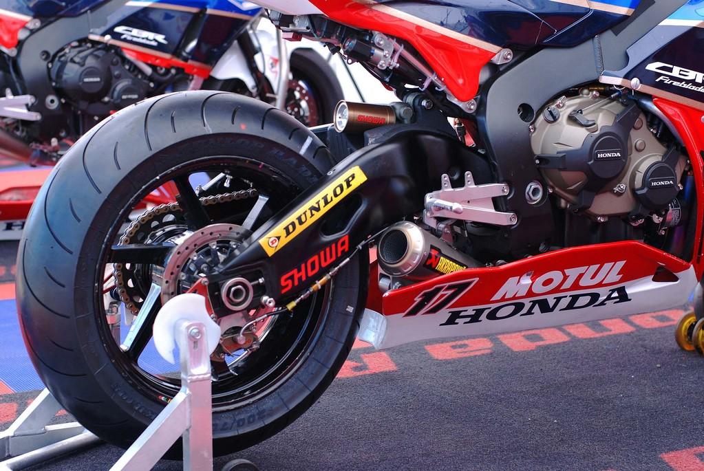 Honda CBR 1000 RR 2008-2011 <SC59> - Page 21 Cbr10016