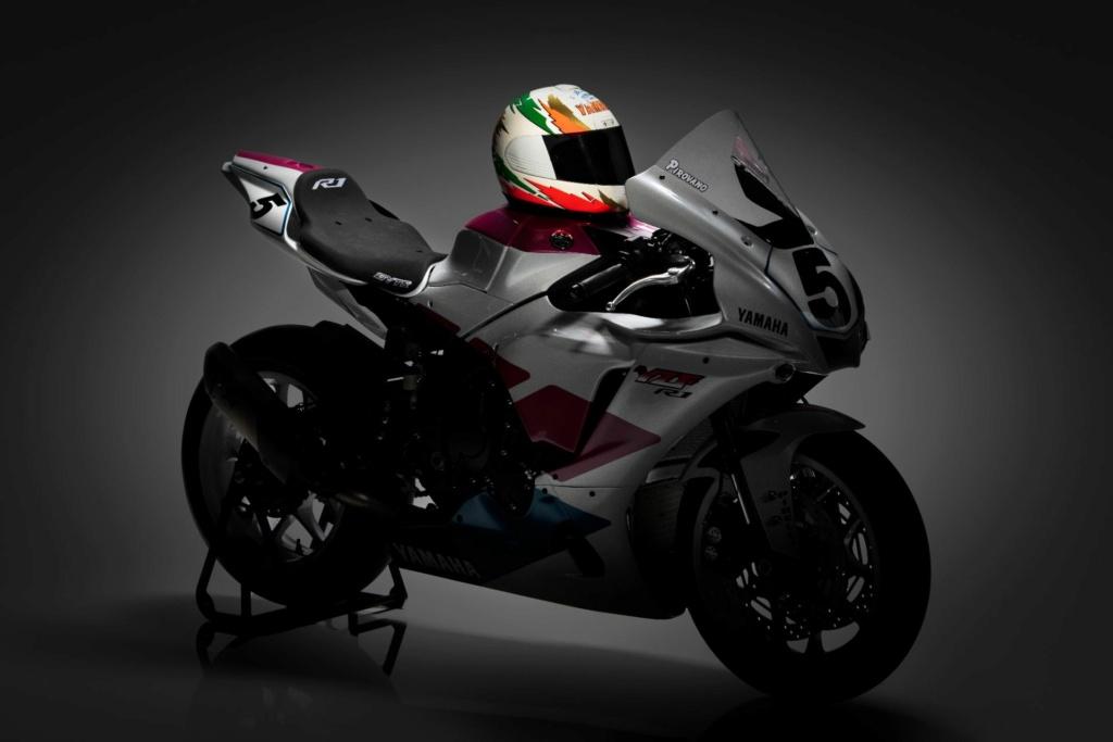 Yamaha R1 et R1M  Crossplane 2015 ( sujet numero3 ) - Page 13 Cq5dam10