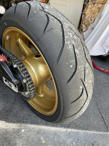 sportsmart, S20, Rosso Corsa, Pilot power.... et autres pneu route/piste. - Page 9 Img_1617