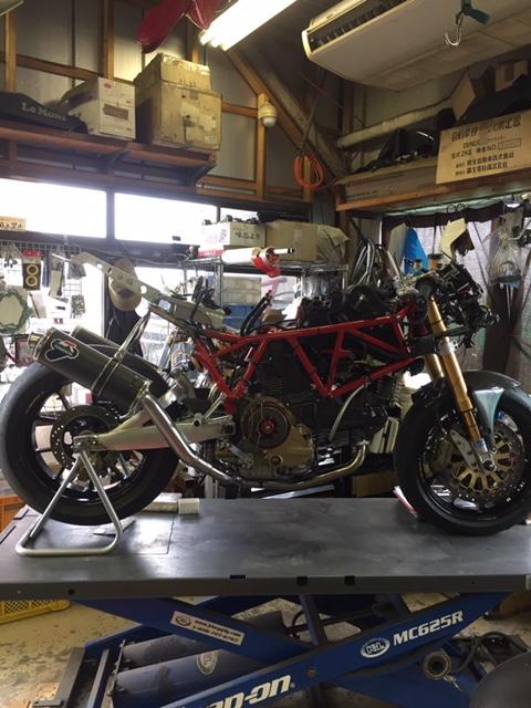 Ducati 1000 DS par Ritmo Sereno Img_3410