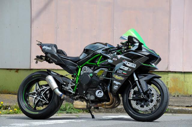 Kawasaki Ninja H2 et H2R - Page 24 Kawasa26