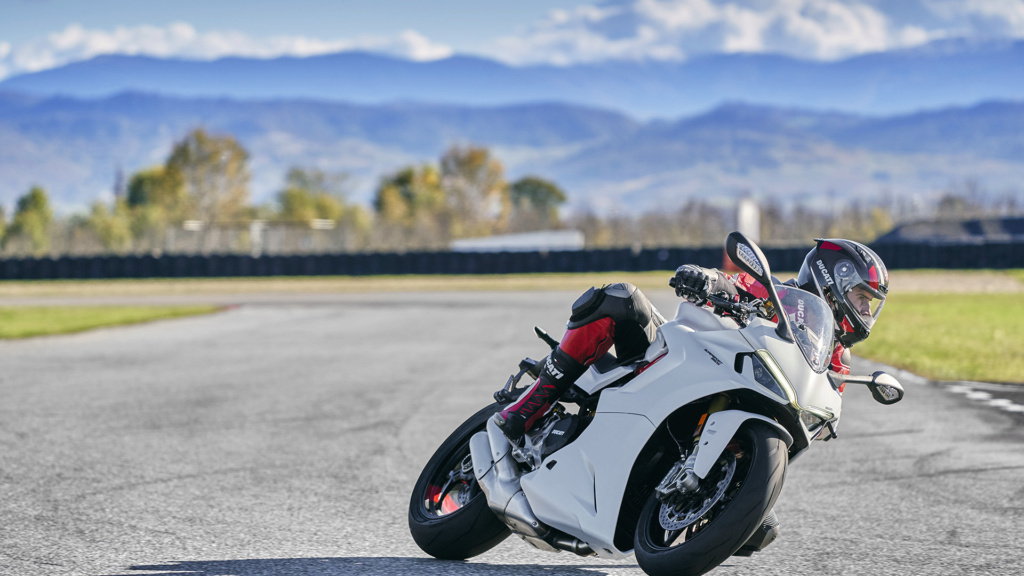 Ducati Supersport 950 et 950 s Ss-95012