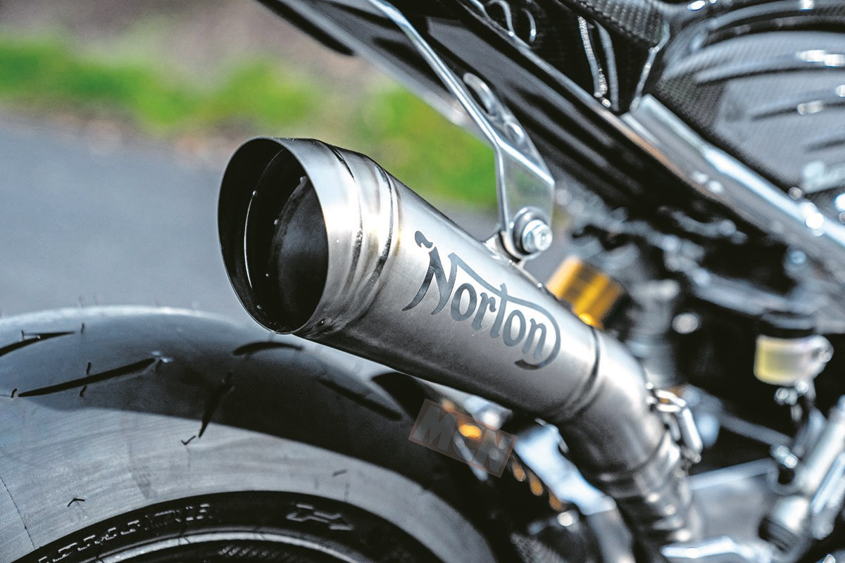 Norton Superlight 650 Superl10