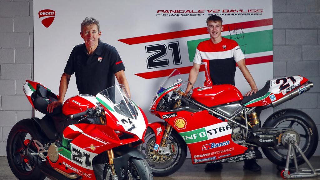 Panigale V2 Ducati  Troy-b10