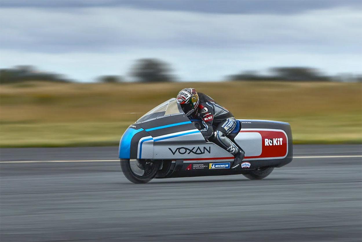 Machines de courses ( Race bikes ) - Page 20 Voxan-10