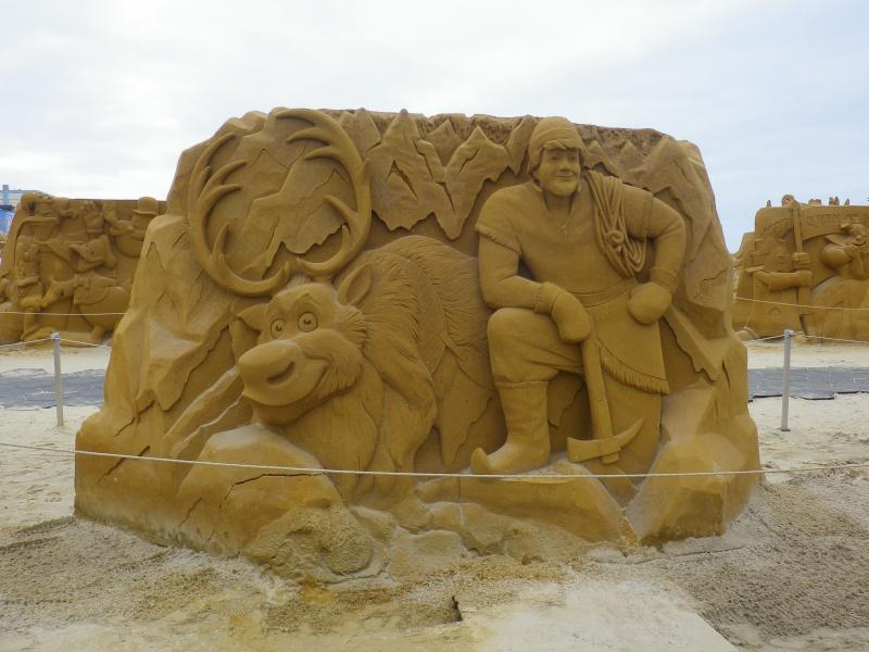 """""""Frozen Summer Fun""""  Le nouveau Festival de Sculptures de sable  du 13 juin au 6 septembre 2015 ... Imgp4316"""
