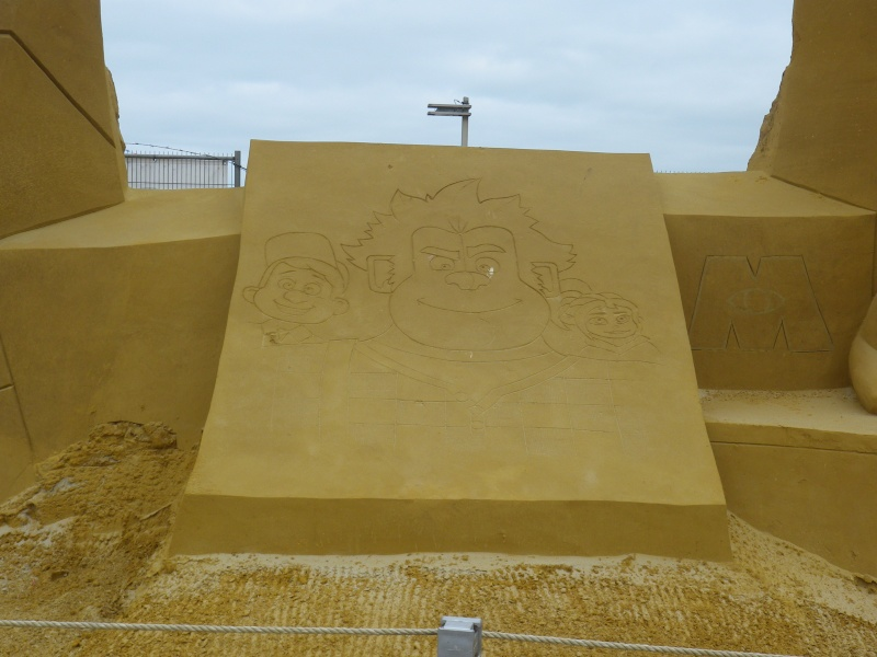 """""""Frozen Summer Fun""""  Le nouveau Festival de Sculptures de sable  du 13 juin au 6 septembre 2015 ... Imgp4320"""