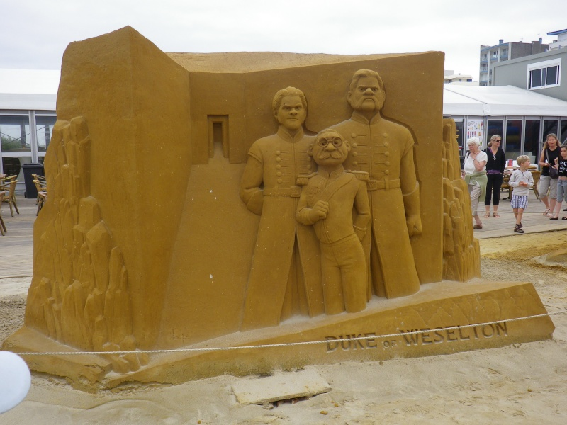 """""""Frozen Summer Fun""""  Le nouveau Festival de Sculptures de sable  du 13 juin au 6 septembre 2015 ... Imgp4327"""