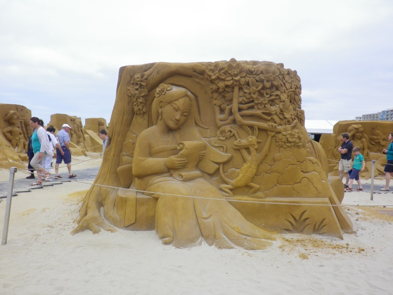 """""""Frozen Summer Fun""""  Le nouveau Festival de Sculptures de sable  du 13 juin au 6 septembre 2015 ... Imgp4347"""