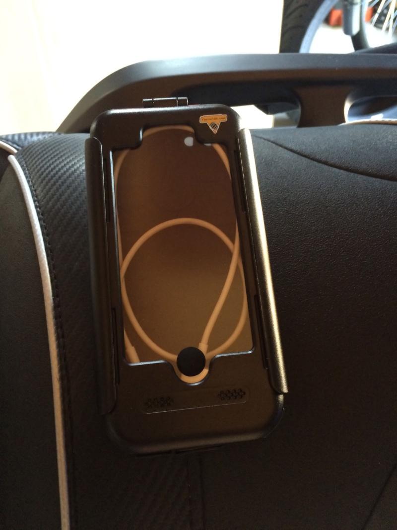 Ensemble boitier support pour Smartphone Apple Techno-globe Img_7425