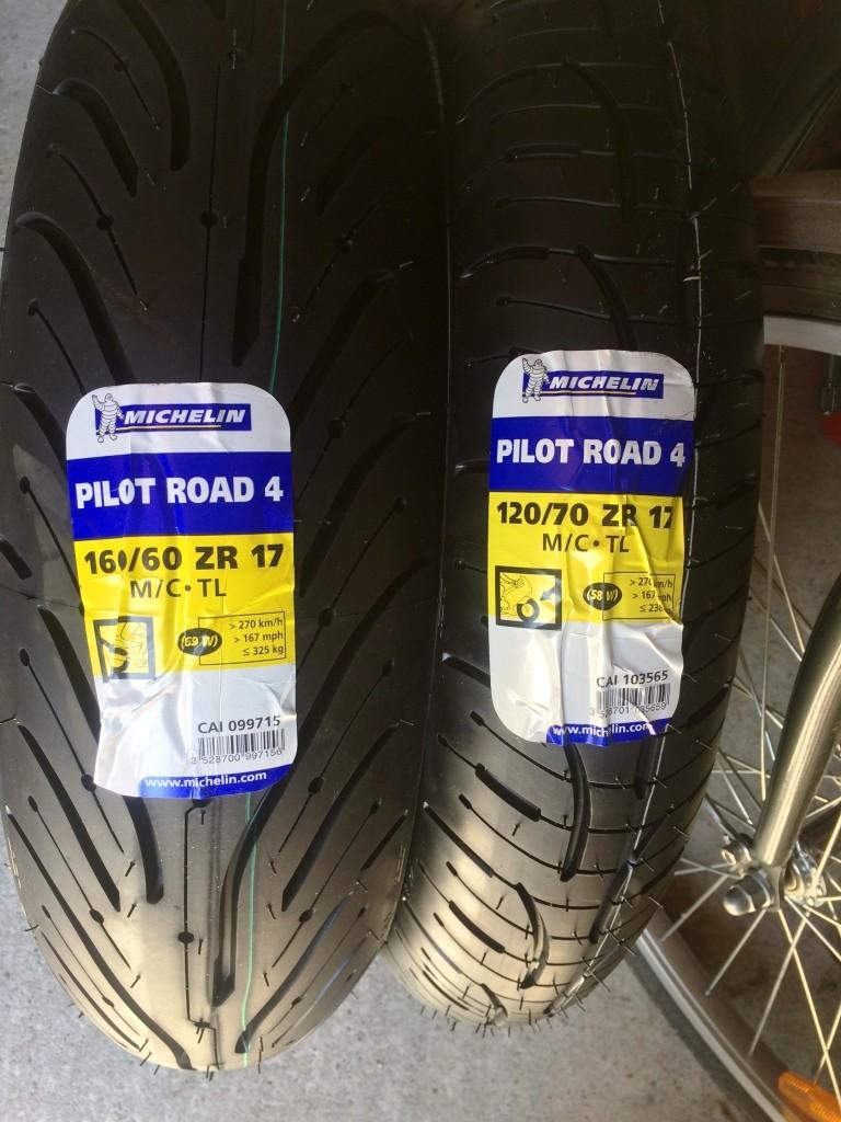 Pneus bigomme Michelin Pilot Road PR4 Img_7816
