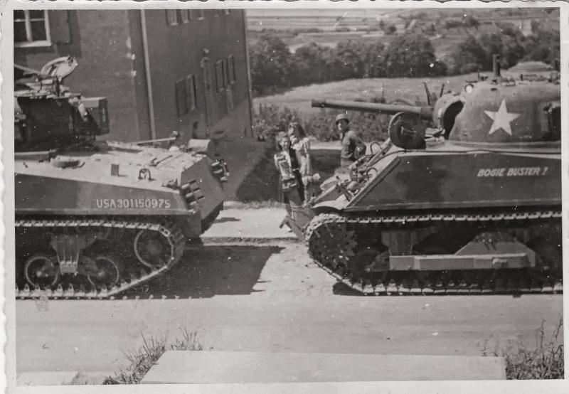 Sherman M4A3 ex dozer ( italeri, academy, eduard ) au 1/35eme Img_0010