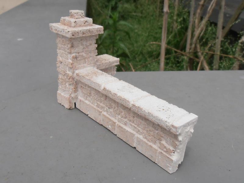 Mes ptites réalisations de pierres et de briques ( lièges, cartons plume au 1/35ème ). P6011016