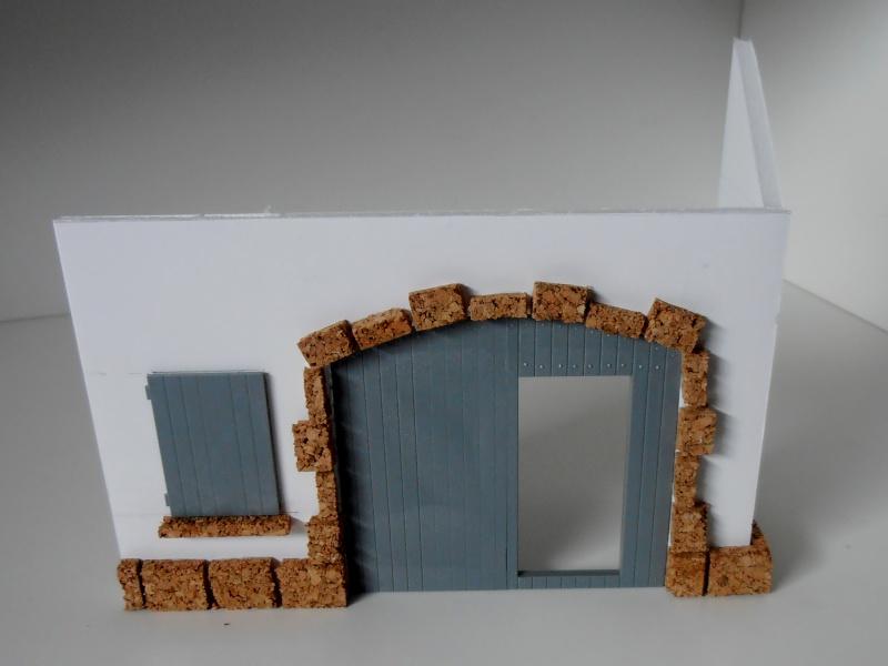Mes ptites réalisations de pierres et de briques ( lièges, cartons plume au 1/35ème ). P6101010