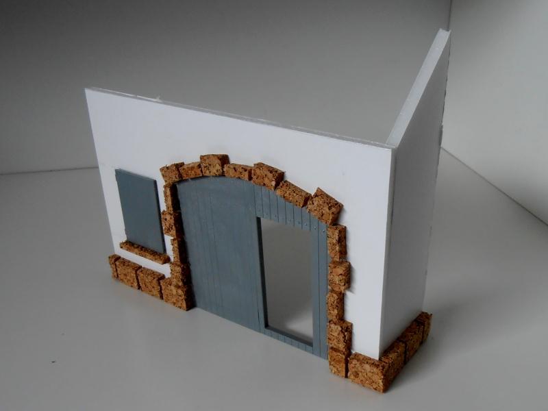 Mes ptites réalisations de pierres et de briques ( lièges, cartons plume au 1/35ème ). P6101011