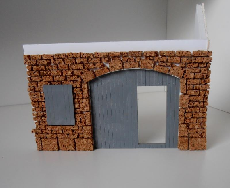Mes ptites réalisations de pierres et de briques ( lièges, cartons plume au 1/35ème ). P6151012