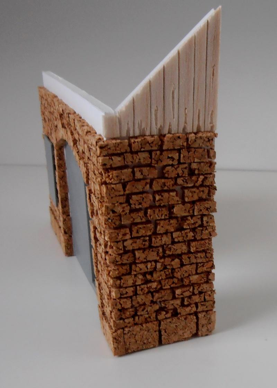 Mes ptites réalisations de pierres et de briques ( lièges, cartons plume au 1/35ème ). P6151013