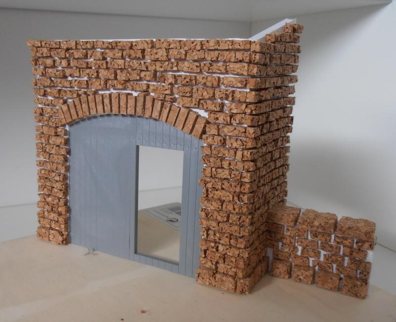 Mes ptites réalisations de pierres et de briques ( lièges, cartons plume au 1/35ème ). - Page 3 P6291112