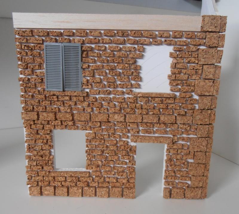 Mes ptites réalisations de pierres et de briques ( lièges, cartons plume au 1/35ème ). - Page 3 P6291113