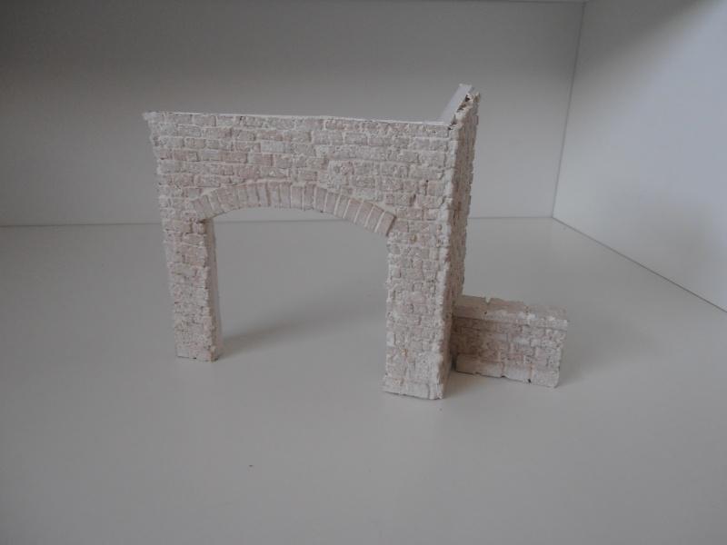 Mes ptites réalisations de pierres et de briques ( lièges, cartons plume au 1/35ème ). - Page 4 P6291121