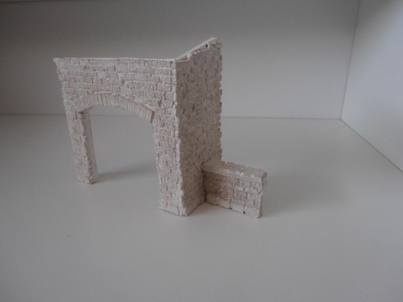 Mes ptites réalisations de pierres et de briques ( lièges, cartons plume au 1/35ème ). - Page 4 P6291122