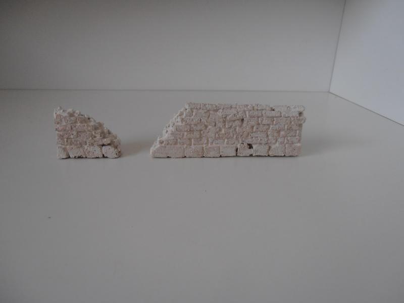 Mes ptites réalisations de pierres et de briques ( lièges, cartons plume au 1/35ème ). - Page 4 P6291125