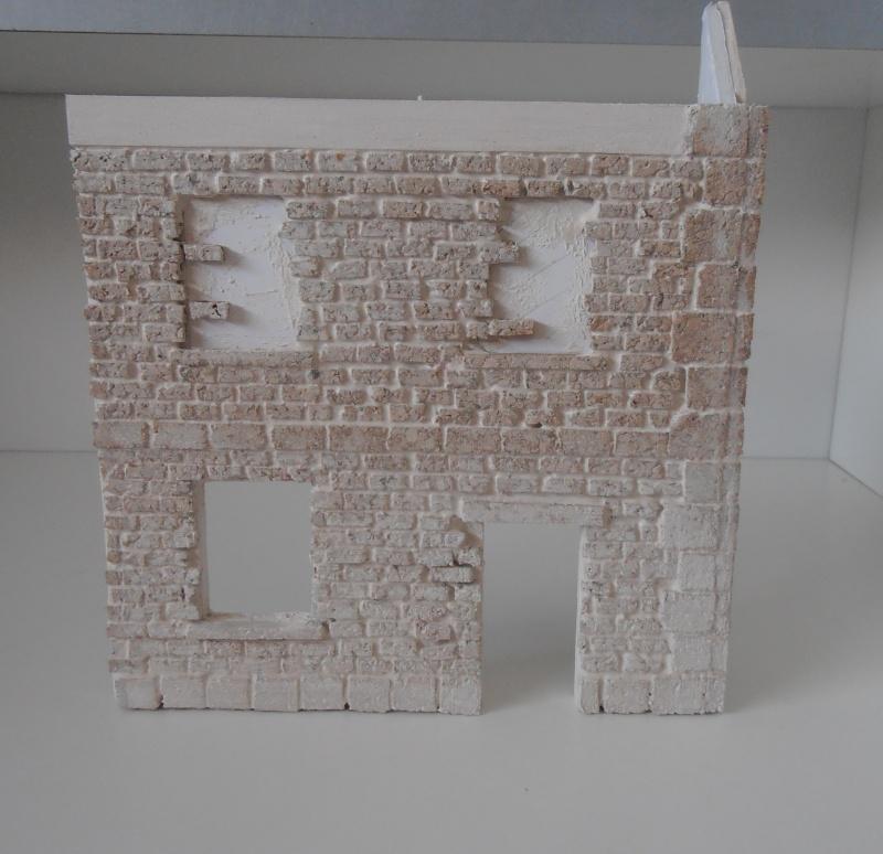 Mes ptites réalisations de pierres et de briques ( lièges, cartons plume au 1/35ème ). - Page 4 P6291126