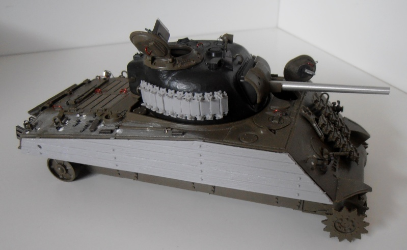 "Sherman M4A3 "" made in Pacifique "" ( Tamiya, Eduard, Neo Models au 1/35eme ) - Page 2 P7061111"