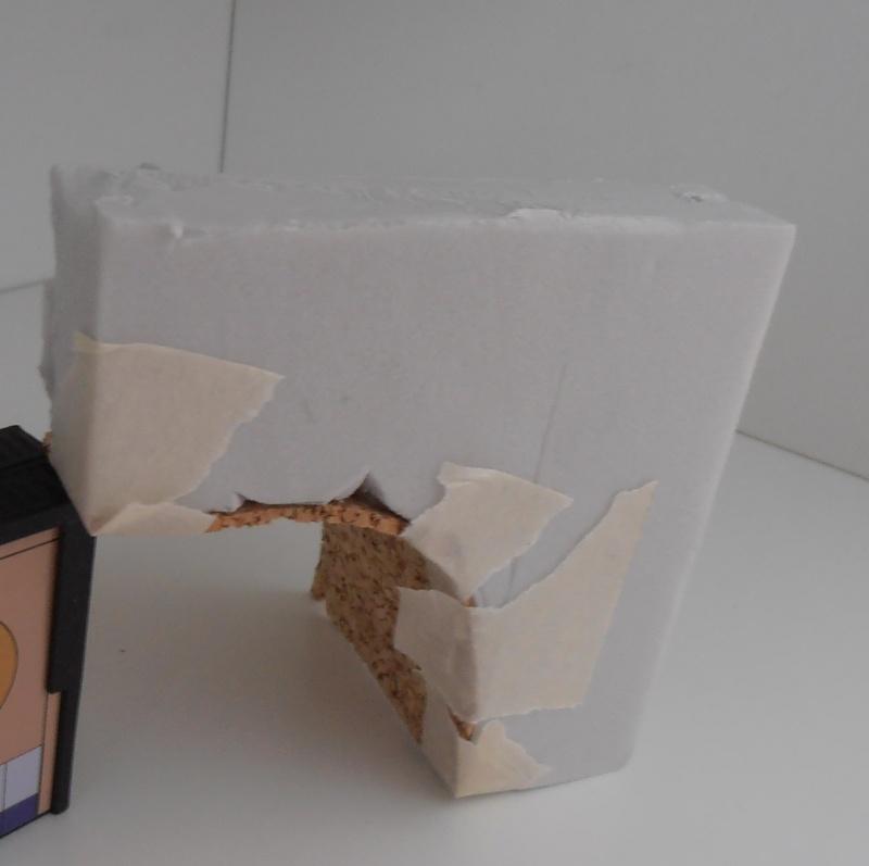 Mes ptites réalisations de pierres et de briques ( lièges, cartons plume au 1/35ème ). - Page 4 P7111211