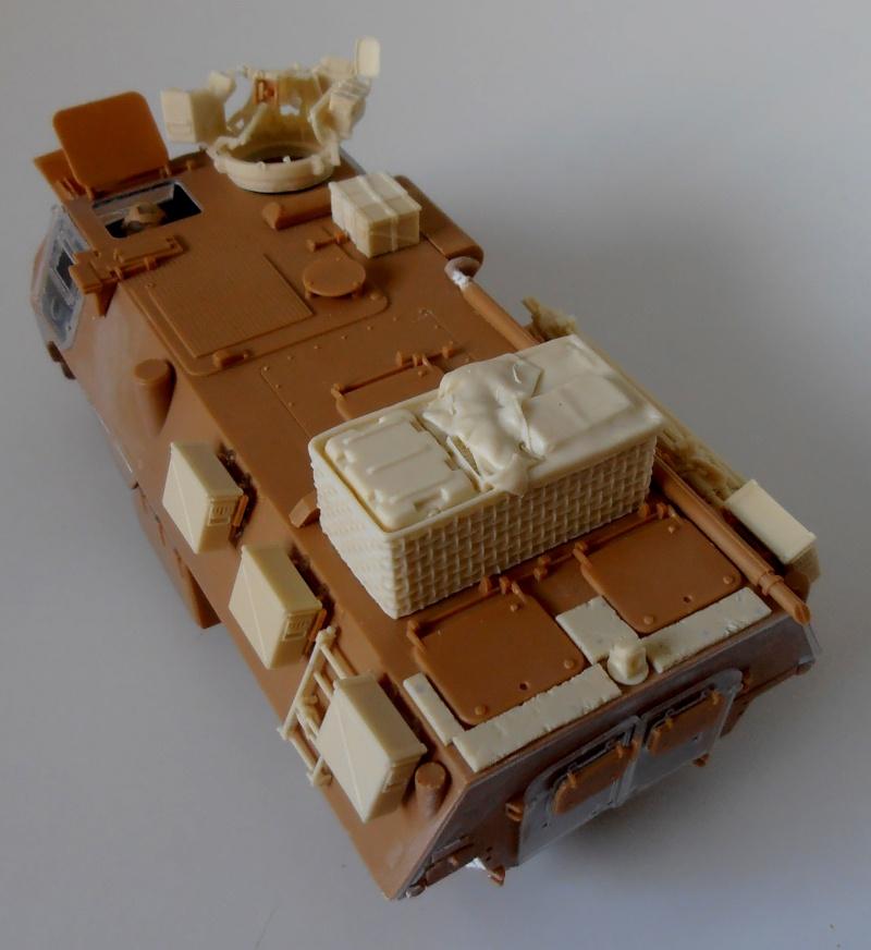 Vab en opex ( heller, eduard, blast model ) au 1/35eme P8191215
