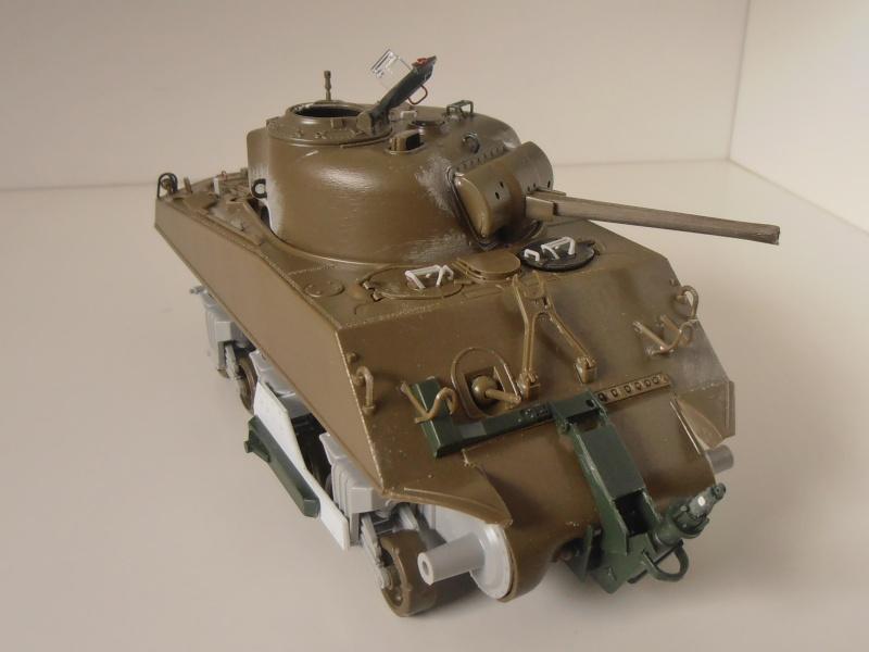 Sherman M4A3 ex dozer ( italeri, academy, eduard ) au 1/35eme P8241311