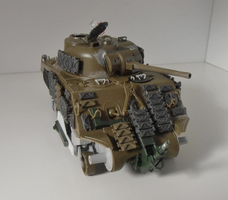 Sherman M4A3 ex dozer ( italeri, academy, eduard ) au 1/35eme - Page 2 P8251311