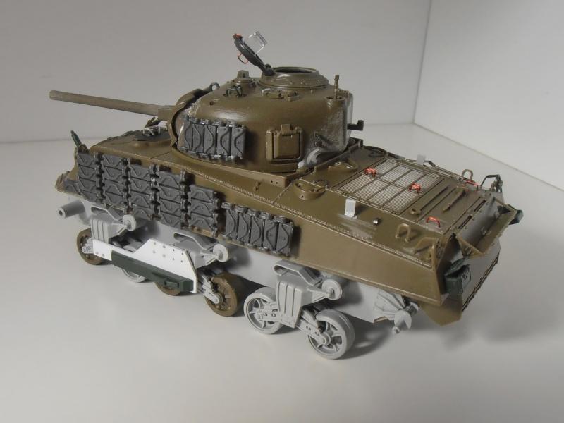 Sherman M4A3 ex dozer ( italeri, academy, eduard ) au 1/35eme - Page 2 P8251314