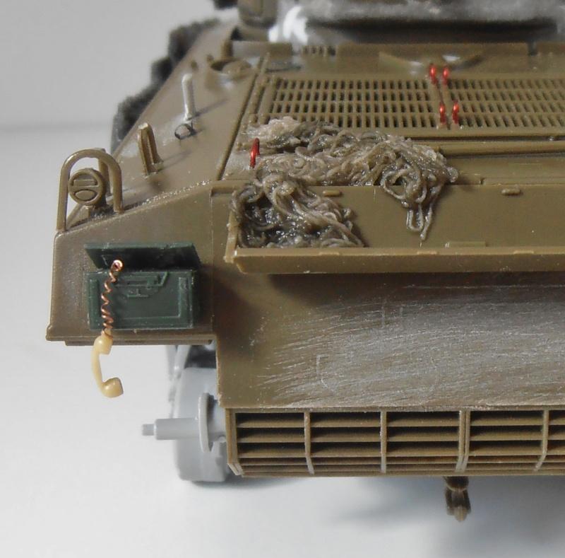 Sherman M4A3 ex dozer ( italeri, academy, eduard ) au 1/35eme - Page 2 P8251316
