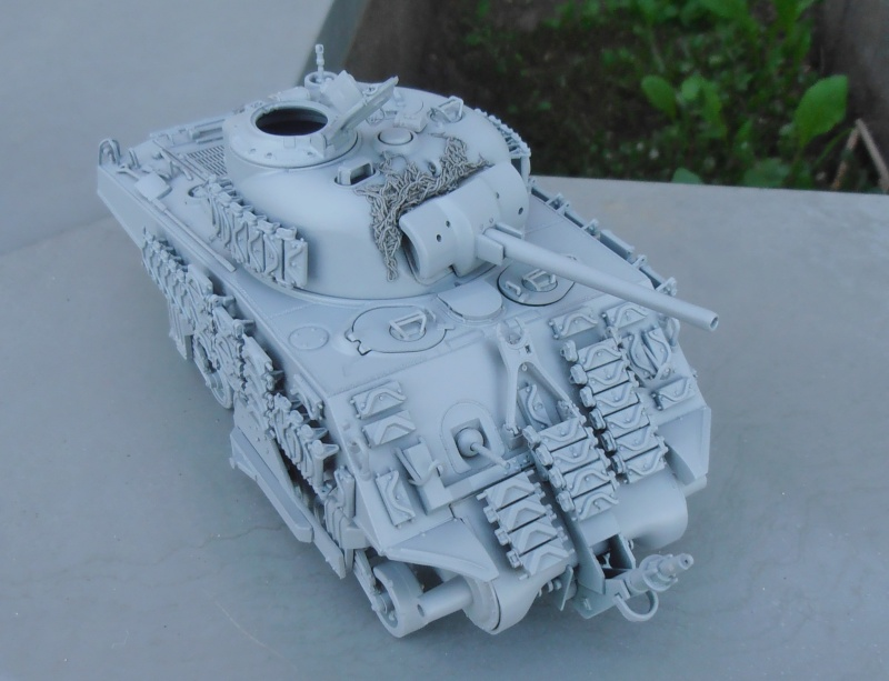 Sherman M4A3 ex dozer ( italeri, academy, eduard ) au 1/35eme - Page 2 P8251413
