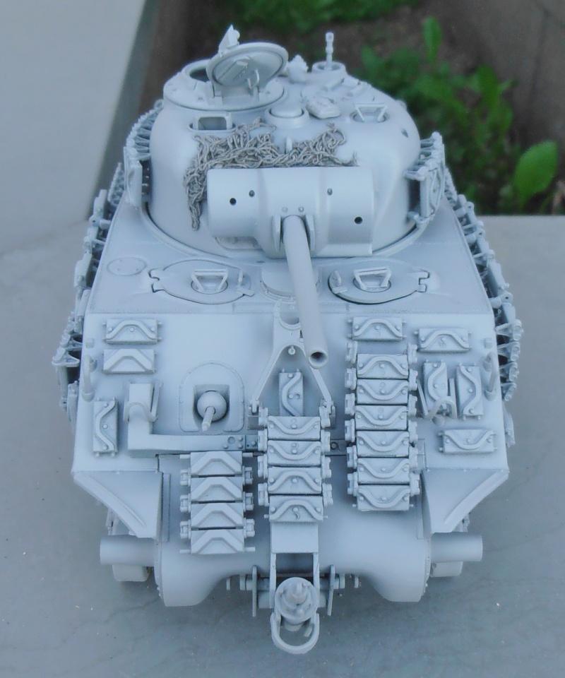 Sherman M4A3 ex dozer ( italeri, academy, eduard ) au 1/35eme - Page 2 P8251415